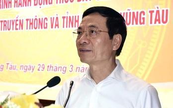 Bộ trưởng Nguyễn Mạnh Hùng giải đáp những câu hỏi then chốt về chuyển đổi số