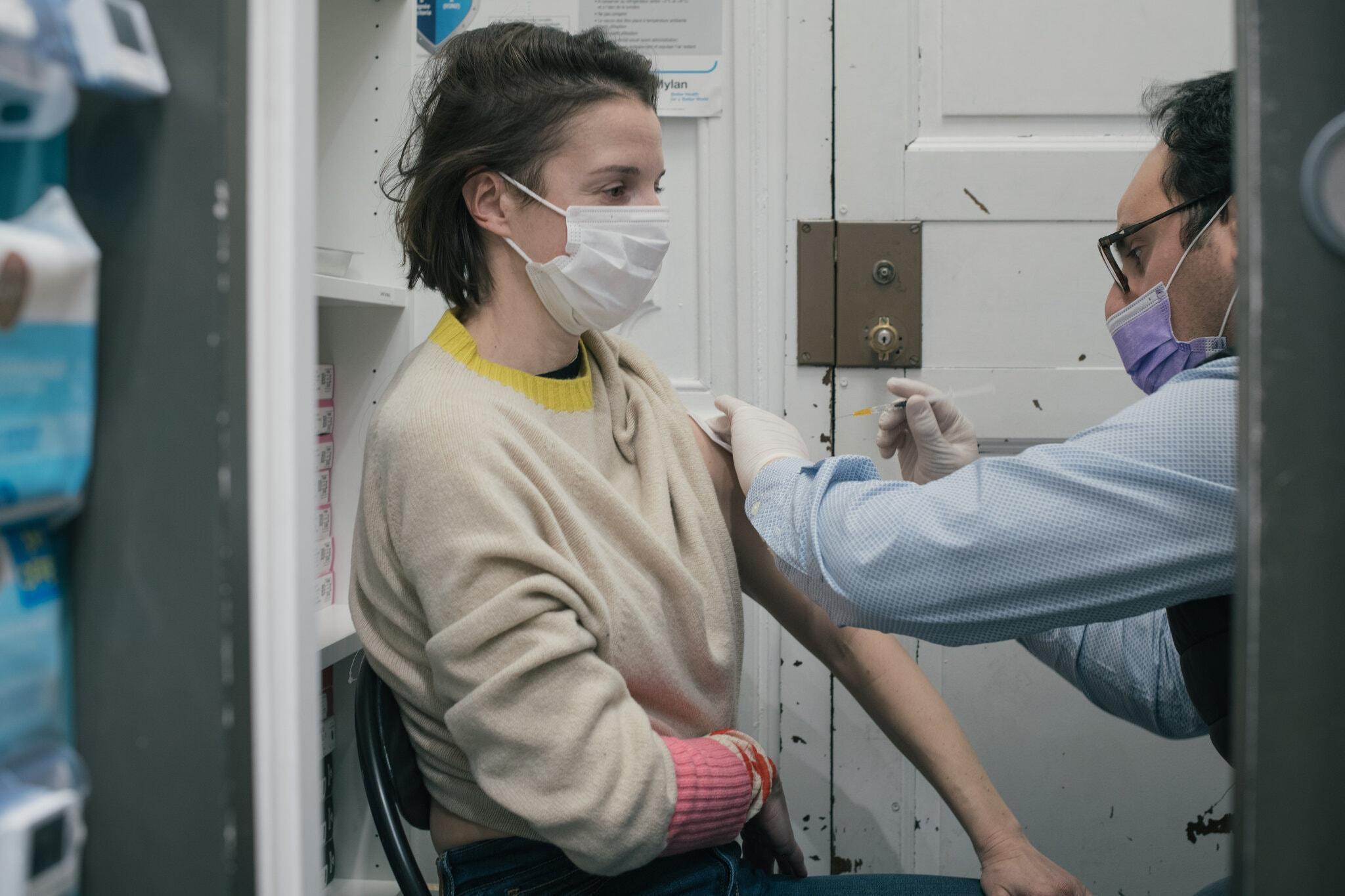 Châu Âu tụt hậu trong chiến dịch vắc xin-5